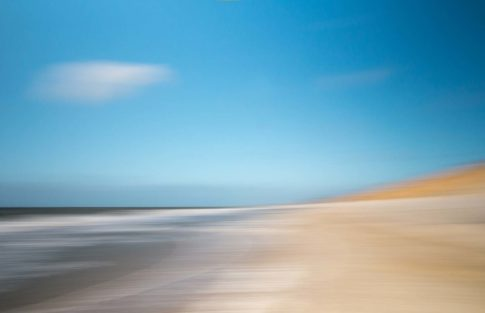 sylt wolke ueber strand