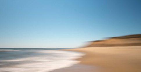 hamptons ditch plains beach bluff