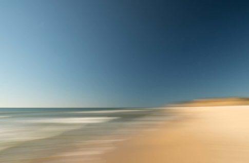 hamptons ditch plains beach noon